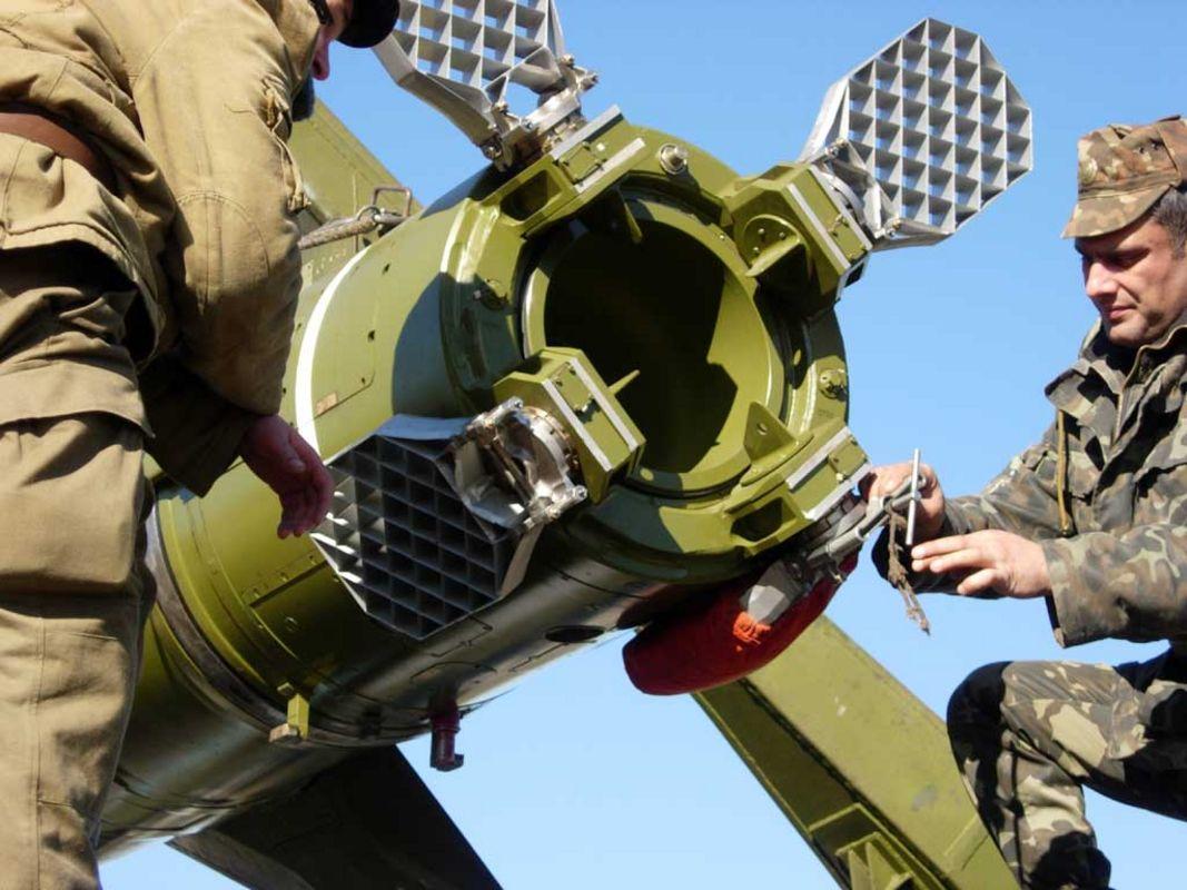 Установка точка-у с ракетой точка 152-й рбр на стрельбах на полигоне павленково в калининградской области