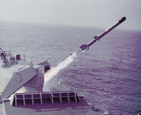 http://rbase.new-factoria.ru/sites/default/files/missile/asroc/rur5.jpg