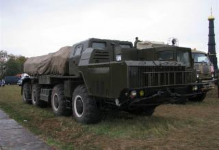 """Боевая машина 9А52 РСЗО """"Смерч"""" в походном положении. ©С.В. Гуров"""