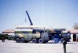 ПУ Df-15 на шасси TAS5450 погрузка ракеты DF-15C