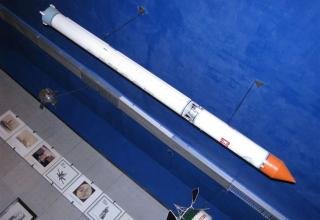 Вид макета ракеты космического назначения