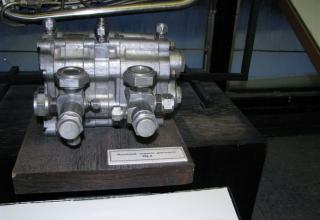 Макет насосного агрегата двигателя.