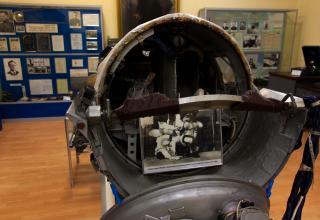 Экспонат музея космодрома. Фотографии собак Уголек и Ветерок, совершивших  22-х дневный полет на спутнике «Космос-110»