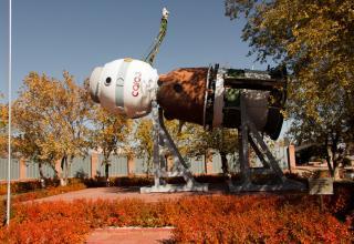 Макет космического корабля «Союз». Экспонат представлен в открытой части музея.
