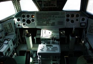 Кабина габаритно-весового макета космического многоразового корабля «Буран».