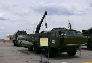 Транспортно-заряжающая машина ракетного комплекса