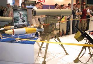Макет пусковой установки переносного зенитно-ракетного комплекса КОРНЕТ-Э
