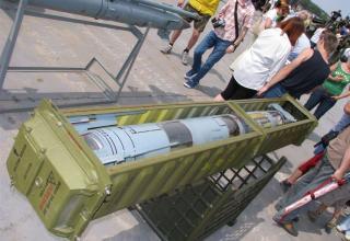 Макет ракеты для пуска с помощью боевой машины 9А330 зенитно-ракетной системы ТОР-М1