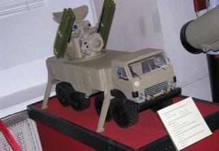 Модель боевой машины зенитного ракетно-пушечного комплекса (ЗПРК) Панцирь-С1.