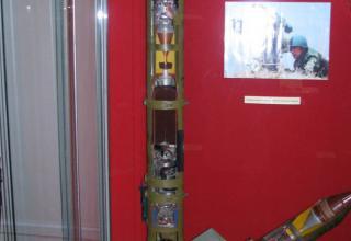 Макет противотанкового управляемого реактивного снаряда 9М113.