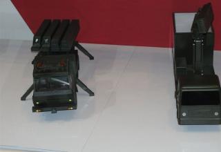 Виды макетов установок для пуска управляемых ракет PYTHON-5 и DERBY от специалистов французской компании Rafael