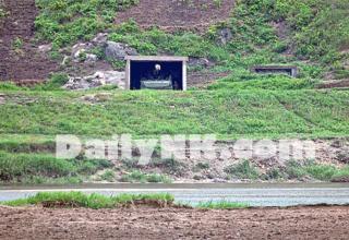 В рамках январских учений Северная Корея предоставила фото информацию о укрытии военной техники