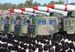 Ракетная техника Китая на военном параде в 2009 году