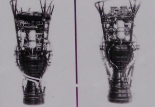 Виды жидкостных ракетных двигателей РД-101 и РД-103 для ракет Р-2 и Р-5 соответственно.