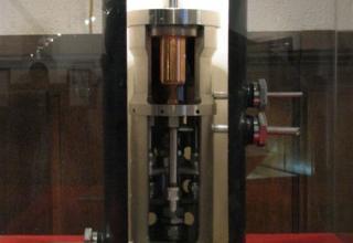 Макет первого в СССР жидкостного ракетного двигателя ОРМ-1.