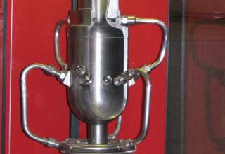 Макет опытного жидкостного ракетного двигателя ОРМ-52.