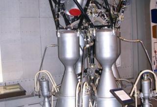 Вид макета жидкостного ракетного двигателя РД-108