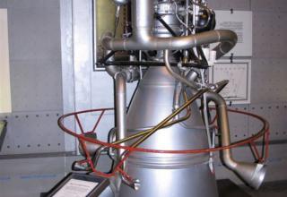 Вид макета жидкостного ракетного двигателя РД-119