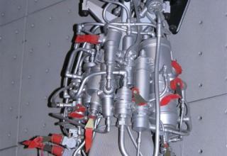 Вид макета жидкостного однокамерного двигателя многократного включения.