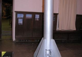 Вид макета реактивного летательного аппарата РЛА-2 с двигателем ОРМ-52.