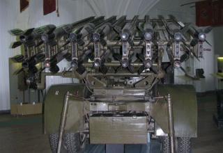 Вид сзади установки М-13