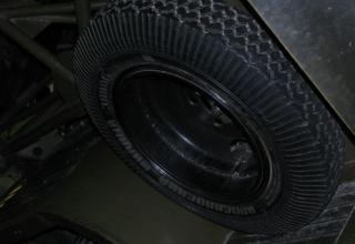 Вид запасного колеса для шасси установки М-13