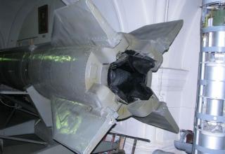 Вид сзади макета ракеты Р-11 ФМ