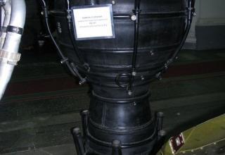Макет камеры сгорания жидкостного ракетного двигателя РД-101 для баллистической ракеты Р-2