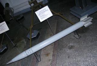 Макет неуправляемого реактивного снаряда 9М22М