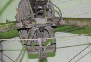 Вид части подъемно-поворотного механизма ПУ 2П132 Переносной реактивной осветительной системы 9К510