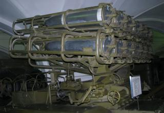 Вид сбоку и сзади артиллерийской части боевой машины БМ-24