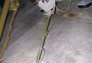 Вид сбоку пусковой установки 2П132 Переносной реактивной осветительной системы 9К510