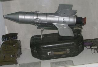 Макет противотанковой управляемой твердотопливной ракеты 9М14 ПТРК