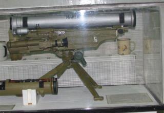 Макет переносного противотанкового (многоцелевого) ракетного комплекса 9К115