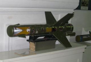 Разрезной макет противотанковой управляемой ракеты 9М17П противотанкового ракетного комплекса