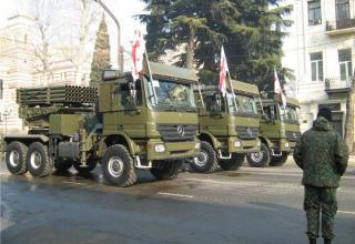 Вариант БМ РСЗО серии LAR с ТПК для пуска реактивных снарядов калибра 122 мм в Грузии (Румыния-Израиль)