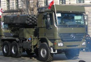 Вариант БМ РСЗО серии LAR с ТПК для пуска реактивных снарядов калибра 160 мм в Грузии (Румыния-Израиль)