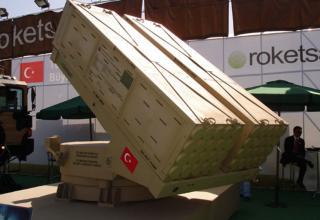 Макет опытного образца артиллерийской части с двумя ТПК для пуска НУРС калибра 122 мм (Турция)
