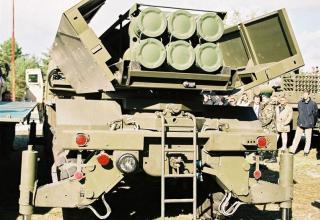 Вид сзади опытного образца боевой машины RM-70 Modular с ТПК для запуска РС РСЗО MLRS (Словакия)©MiroslavGyurosi 2003 год