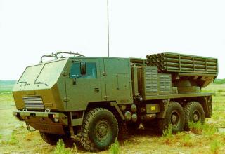 Вариант боевой машины Полевой реактивной системы FIROS 30 (Италия)
