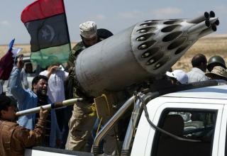 Окраина восточного нефтяного города Брега (Brega). Ливия. 5 апреля 2011 г.