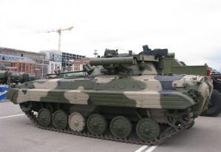 Гусеничное шасси с комплексом вооружения для оснащения бронетанковой техники. ©С.В. Гуров.
