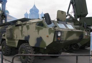 Мобильная унифицированная РЛС разведки наземных движущихся целей КРЕДО-1С. ©С.В. Гуров.