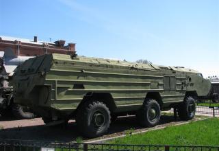 Пусковая установка 9П129 с ракетой 9М79. Вид сбоку и сзади под углом. ©С.В.Гуров