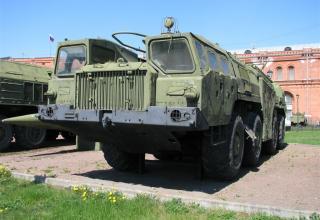 Пусковая установка 9П117 с ракетой 8К14 ракетного комплекса 9К72. ©С.В.Гуров
