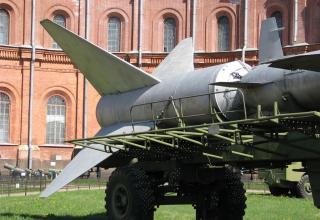 Двухступенчатая зенитная управляемая ракета В-400 (5В11). ©С.В.Гуров