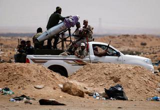 Около восточных ворот Адждабии. 19.04.2011 г. Nasser Nasser/AP. http://www.csmonitor.com