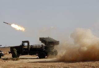 Боевики против Кадгафи стреляют в направлении Bani Walid 23.09.2011г. Reuters. http://www.daylife.com