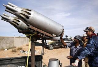 http://www.dailymail.co.uk/news/article-2046530/Libyan-government-forces-control-pummel-Gaddafi-hometown-heavy-artillery-assault