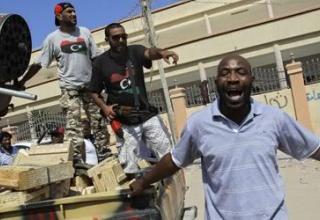 http://media.photobucket.com/image/UB-32%20launchers%20in%20Libya/sksvlad/rebels.jpg